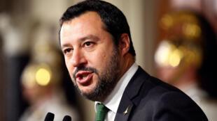 Ảnh minh họa Ông Matteo Salvini trả báo giới, ngày 21/05/2018.