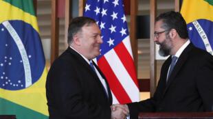 O secretário de Estado americano, Mike Pompeo, se encontrou com o chanceler Ernesto Araújo nesta quarta-feira (2).