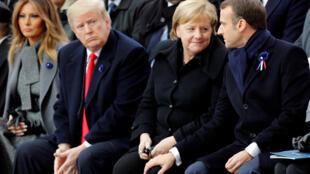 O presidente dos EUA, Donald Trump, e o presidente francês, Emmanuel Macron, durante a cerimônia de comemoração do Dia do Armistício do fim da Primeira Guerra Mundial, no Arco do Triunfo, em Paris. 11/11/18