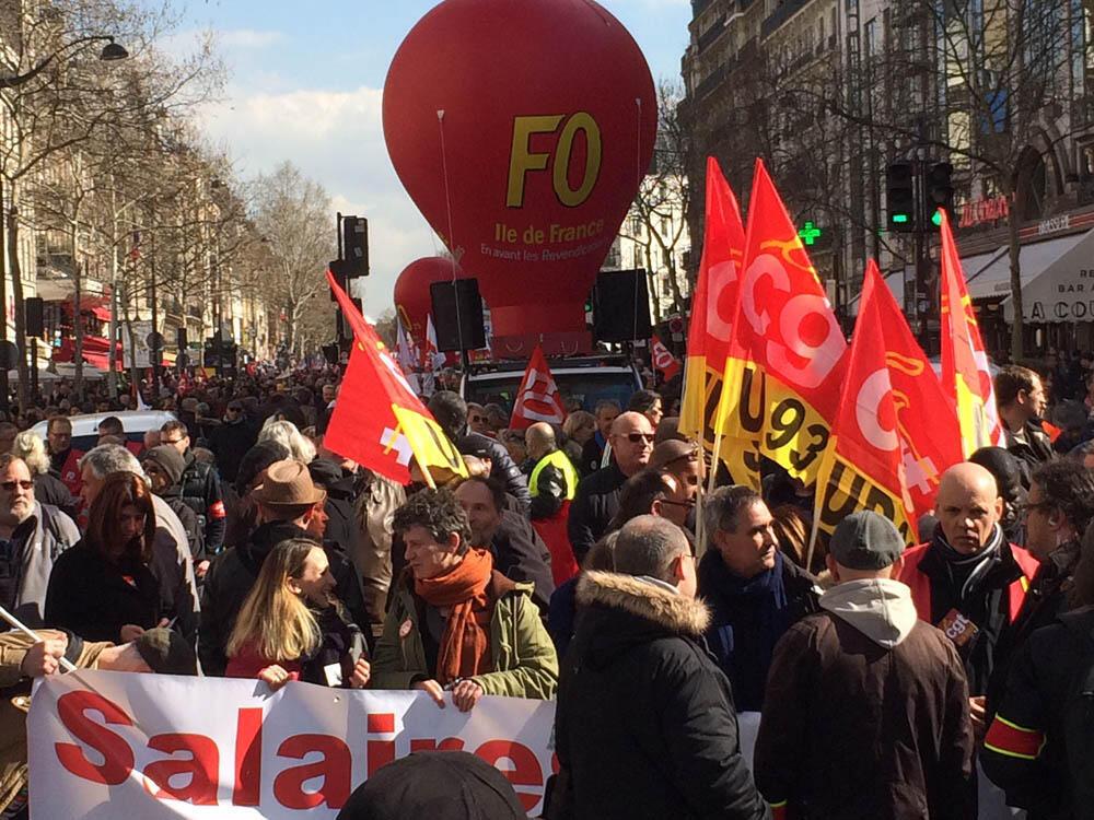 «Fin du mois, fin du monde même combat», «Il y a du grain à moudre», pouvait-on lire sur des banderoles CGT-FO du défilé du 19 mars.