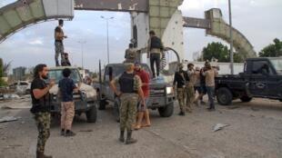 Vikosi vya serikali ya umoja wa kitaifa (GNA) kwenye uwanja wa ndege wa imataifa wa Tripoli, Juni 3, 2020.