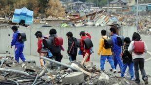 日本学生。