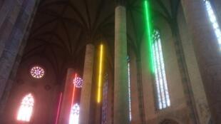 Installation de Sarkis au couvent des Jacobins intitulée «Mesure de la lumière», lors du «Printemps de septembre» à Toulouse.
