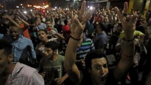 聚集在开罗市中心的反政府示威民众 2019年9月21日