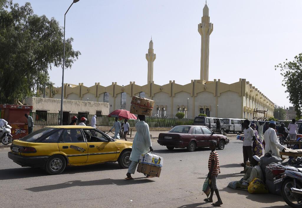 Scène de rue à Ndjamena, la capitale du Tchad, en mars 2015.
