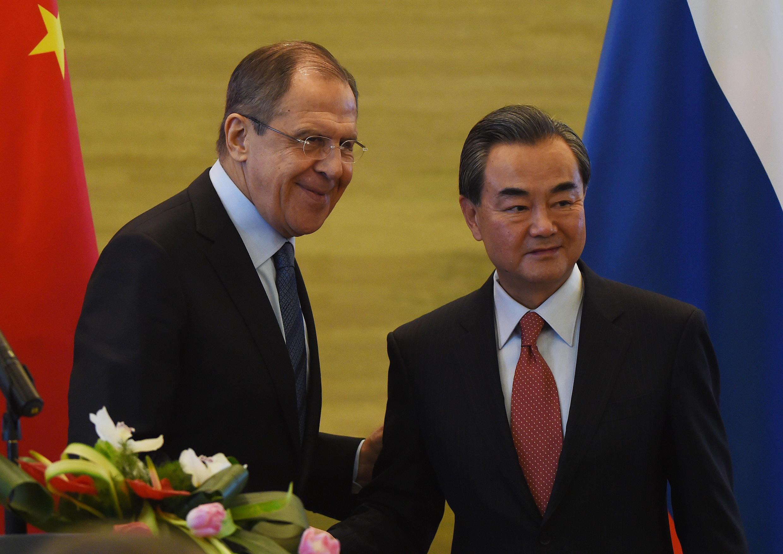 俄罗斯外长拉夫罗夫与中国外长王毅资料图片