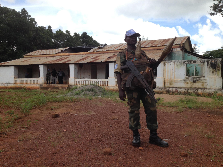 Un soldat congolais de la Minusca à Bria.