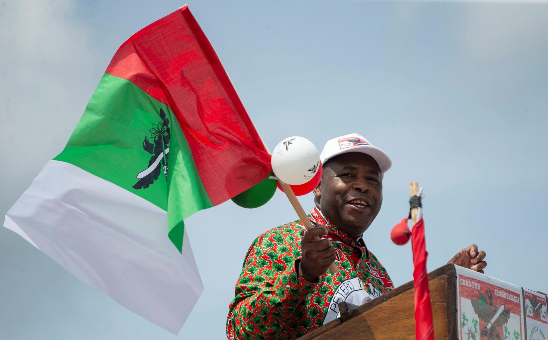 Jenerali Evariste Ndayishimiye, anayechukuwa mikoba ya mtangulizi wake Pierre Nkurunziza aliyefariki dunia Juni 8. hapa ni wakati alikuwa katika kampeni yake ya uchaguzi lmkoani Gitega, Aprili 27, 2020 (picha ya kumbukumbu).