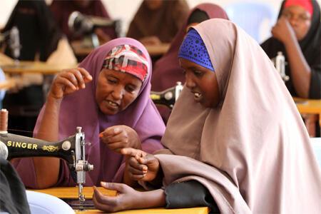 Matan dake koyon sana'oi a birnin Mogadishu na Somaliya mai fama da tashe tashen hankula