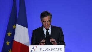 Francois Fillon, candidat Les Républicains à l'élection présidentielle 2017, lors de sa conférence de presse du 1er mars 2017.