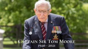 染疫去世的英國二戰老兵摩爾爵士資料圖片