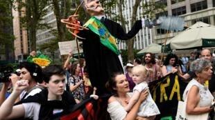 Protestos começaram desde a véspera do discurso do presidente brasileiro Jair Bolsonaro em Nova York.