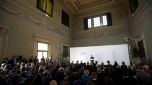 Thủ tướng Anh Theresa May phát biểu tại Florencia, Ý, 22/09/2017.