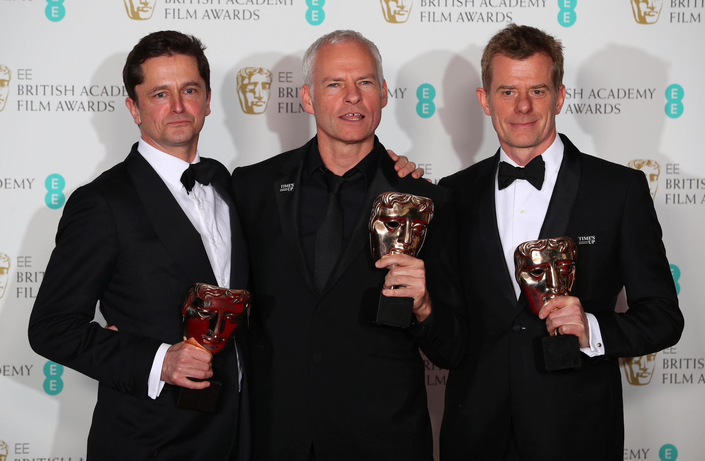 """""""سه بیلبورد خارج از اِبینگ، میسوری"""" اثر """"مارتین مک دانای"""" (نفر وسط) با کسب ۵ جایزه اصلی در صدر برندگان قرار گرفت."""