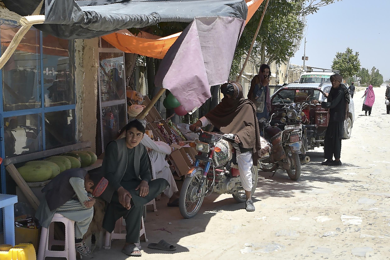 Combatientes talibanes en una calle de la provincia de Ghazni, en Afganistán, el 3 de junio de 2021