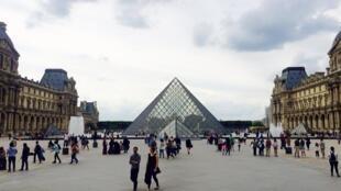 Pour la première fois dans l'histoire des musées, le Louvre a dépassé la barre des 10 millions de visiteurs en 2018.