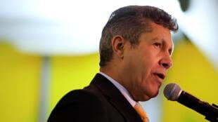 Henri Falcón: ex-chavista que desafia Maduro, sem o apoio da oposição.