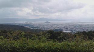 Vue de la ville d'Omura sur l'île de Kyushu au Japon.