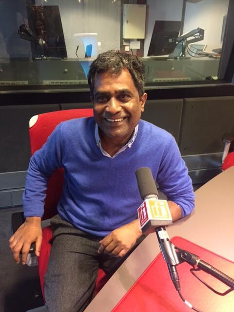 L'écrivain mauricien Barlen Pyamootoo en studio à RFI.