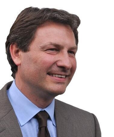 Депутат оппозиционного Союза за народное движение Себастьян Юиг