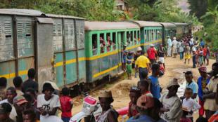 Une rame du train Fianarantsoa-Côte Est à Madagascar.