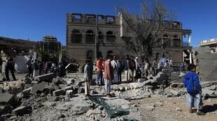 A coalition airstrike on a market in Sanaa killed dozens of people on 27 February 2016