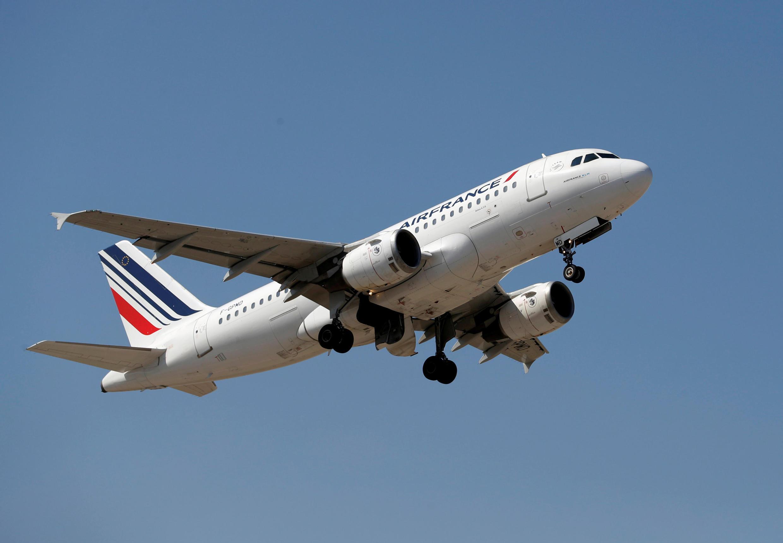 Пассажирсий самолет Air France не пустили в российское воздушное пространство