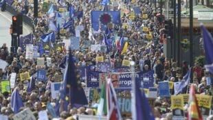 Ruas de Londres foram tomadas por manifestantes em protesto contra o Brexit