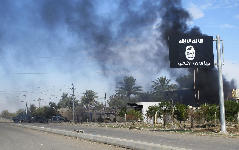 """Иракский город Саадия, отбитый у группировки """"Исламское государство"""", после бомбардировки 24/11/2014 (архив)"""