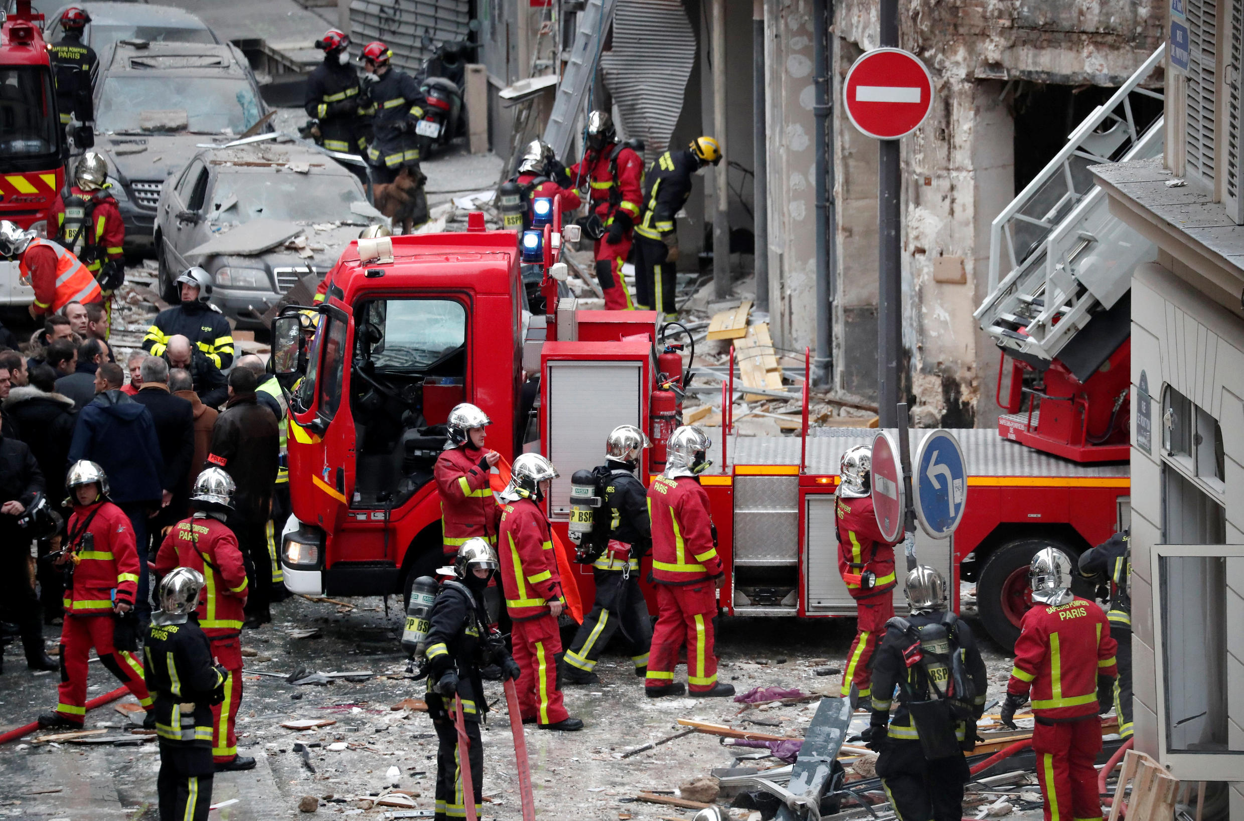 An explosion in a central Paris bakery left four dead on Saturday morning. The incident was unrelated to the Yellow Vest movement.