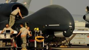 La tension est montée d'un cran entre Washington et Téhéran, suite à la destruction d'un drone américain Global Hawk par l'Iran.