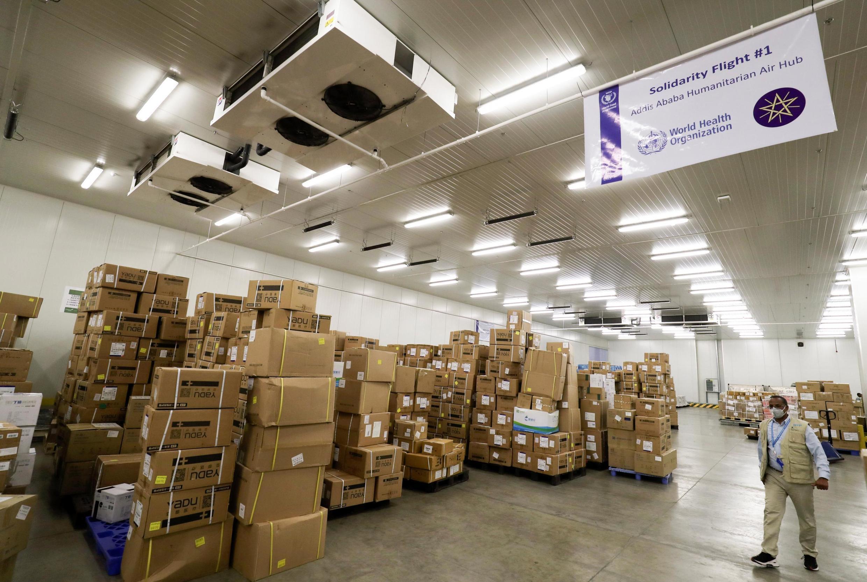 De l'aide humanitaire du PAM entreposée à l'aéroport d'Addis Abeba, le 14 avril 2020.