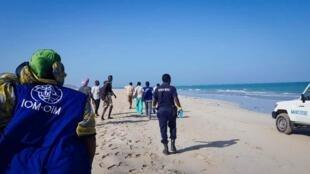 Zoezi la kuwatafuta manusura wa ajali ya boti mbili kwenye Pwani ya Godoria, Djibouti, linaendelea, Januari 29, 2019.