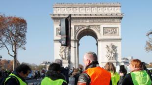 Cuộc biểu tình của nhóm «gilet vàng» trên đại lộ Champs-Elysées, Paris, ngày 17/11/2018.