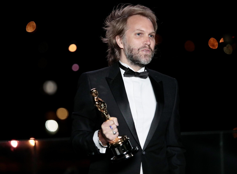 Большинство наблюдателей активно желали победы Энтони Хопкинсу, сыгравшему в фильме «Отец» Флориана Зеллера (на фото).