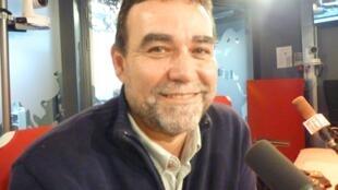 José Gabriel Gasó, director de la FACEEF en los estudios de RFI en París.