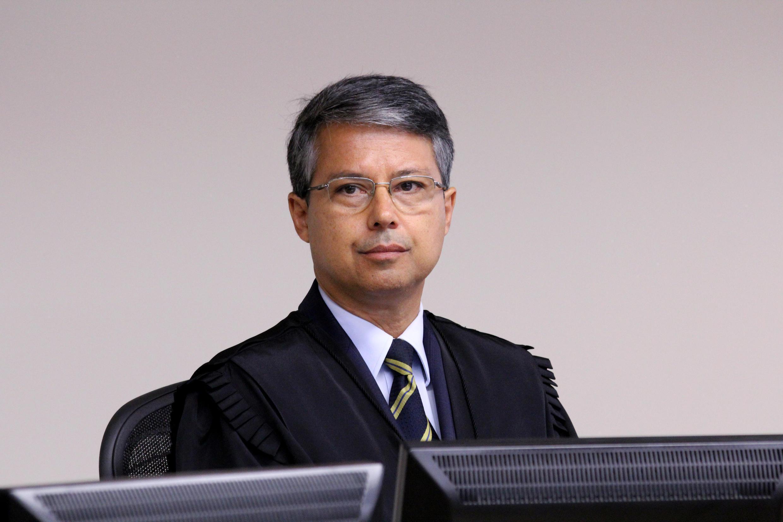 O desembargador Victor Laus durante o julgamento na 8ª Turma do TRF4