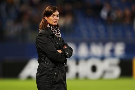 Corinne Diacre é a treinadora da seleção francesa feminina de futebol.