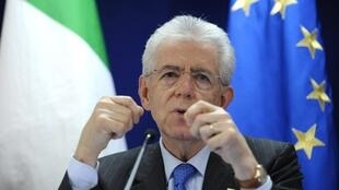 Prime Minister Mario Monti addresses a news conference after an European Union summit in Brussels, 30 January, 2012