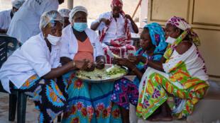 Le coq chante - Groupe femmes - Pafa - Sénégal