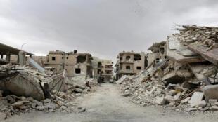 Un quartier endommagé dans la zone contrôlée par les rebelles de la ville Maaret al-Numan dans la province d'Idlib, le 23 mai 2016.