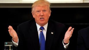 Trump ganhou a eleição com quatro promessas básicas: substituir o Obamacare, construir um muro na fronteira com o México, destruir o grupo Estado Islâmico e reanimar a economia.