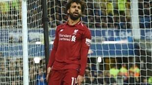 Dan wasan Liverpool Mohamed Salah lokacin da yayi hasarar damar jefa kwallo a ragar Everton sau biyu a gasar Premier.