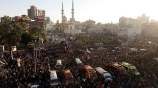 Funérailles des victimes de l'attentat. Mansoura, le 24 décembre 2013.
