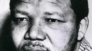 Nelson Mandela, leader de l'ANC, le Congrès national africain, en 1961.