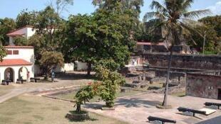 Kivutio cha watalii cha Fort-Jesus mjini  Mombasa nchini Kenya