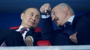Les présidents Alexander Lukashenko et Vladimir Poutine à Minsk le 30 juin 2019.