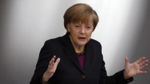 Ангела Меркель на сессии Бундестага в Берлине 20/03/2014