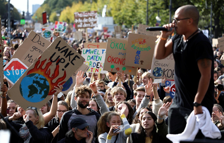تظاهرات جهانی دانشآموزان برای مقابله با تغییرات اقلیمی در برلین