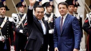 意大利總理倫齊(右)和中國總理李克強2014年10月14日羅馬。